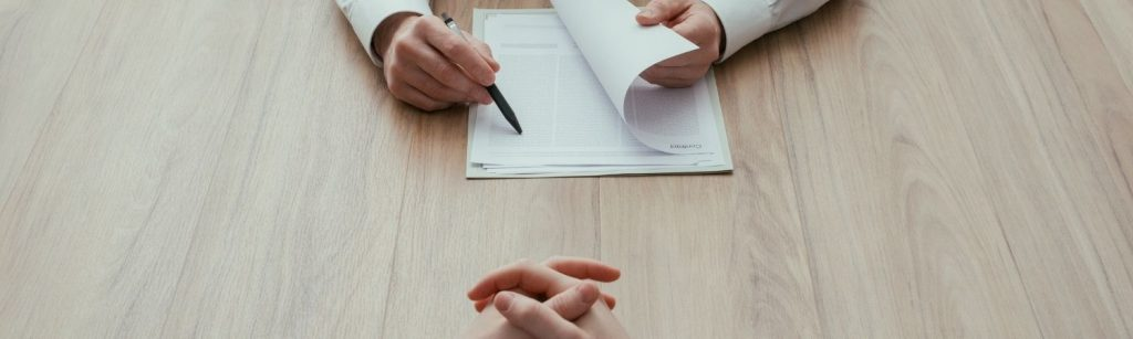 qué documentos llevar a una entrevista de trabajo